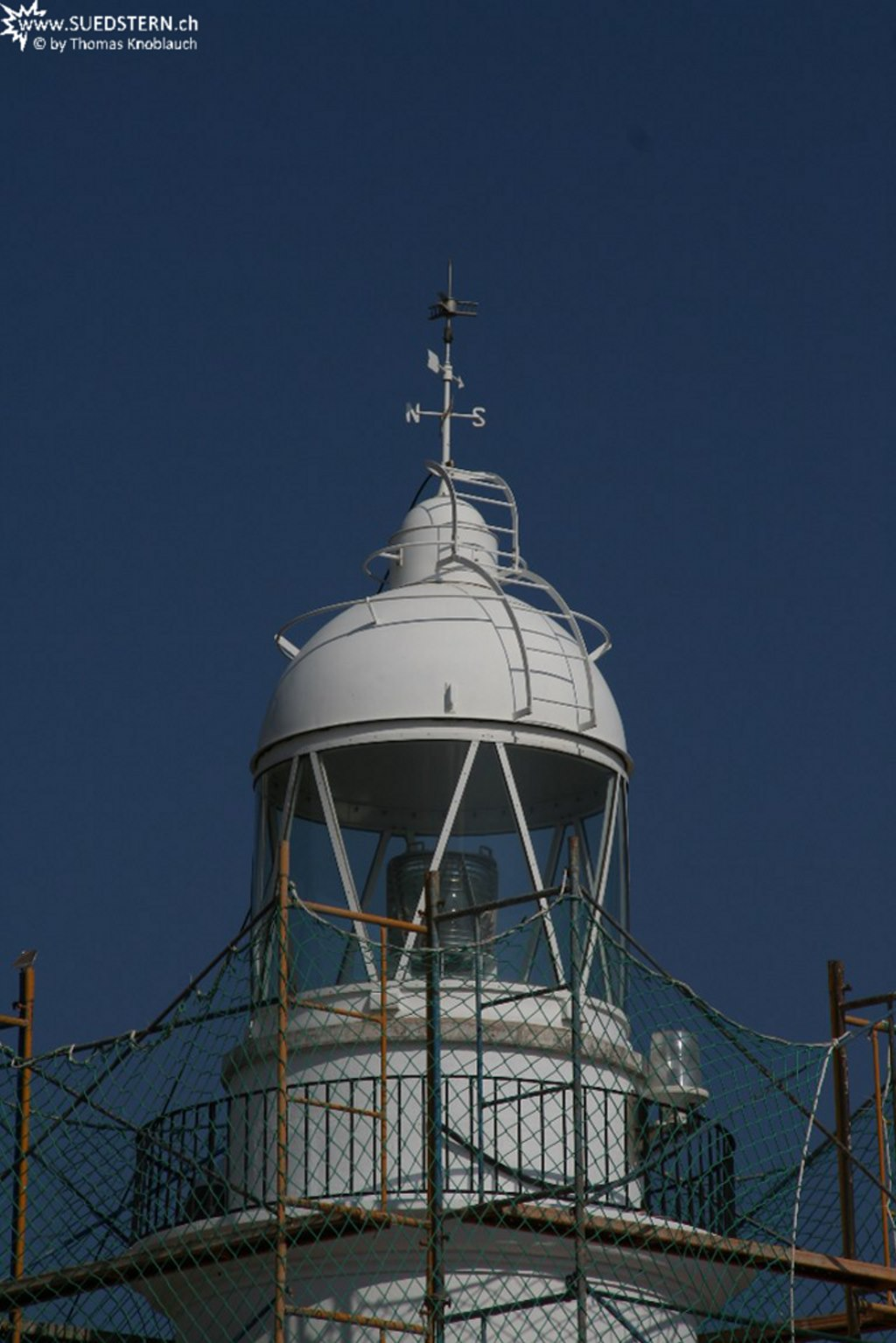 2008-09-03 - Lighthouse close up in Rosses, spain